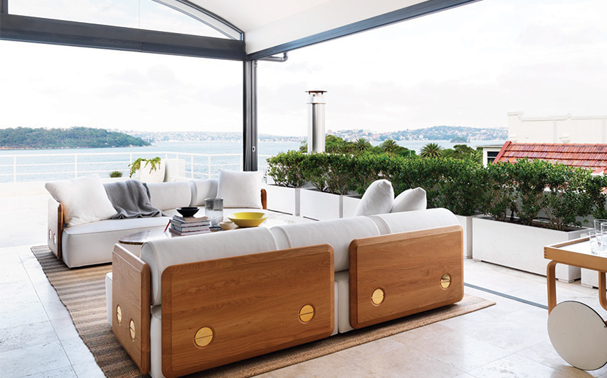 Lounge area & expansive views