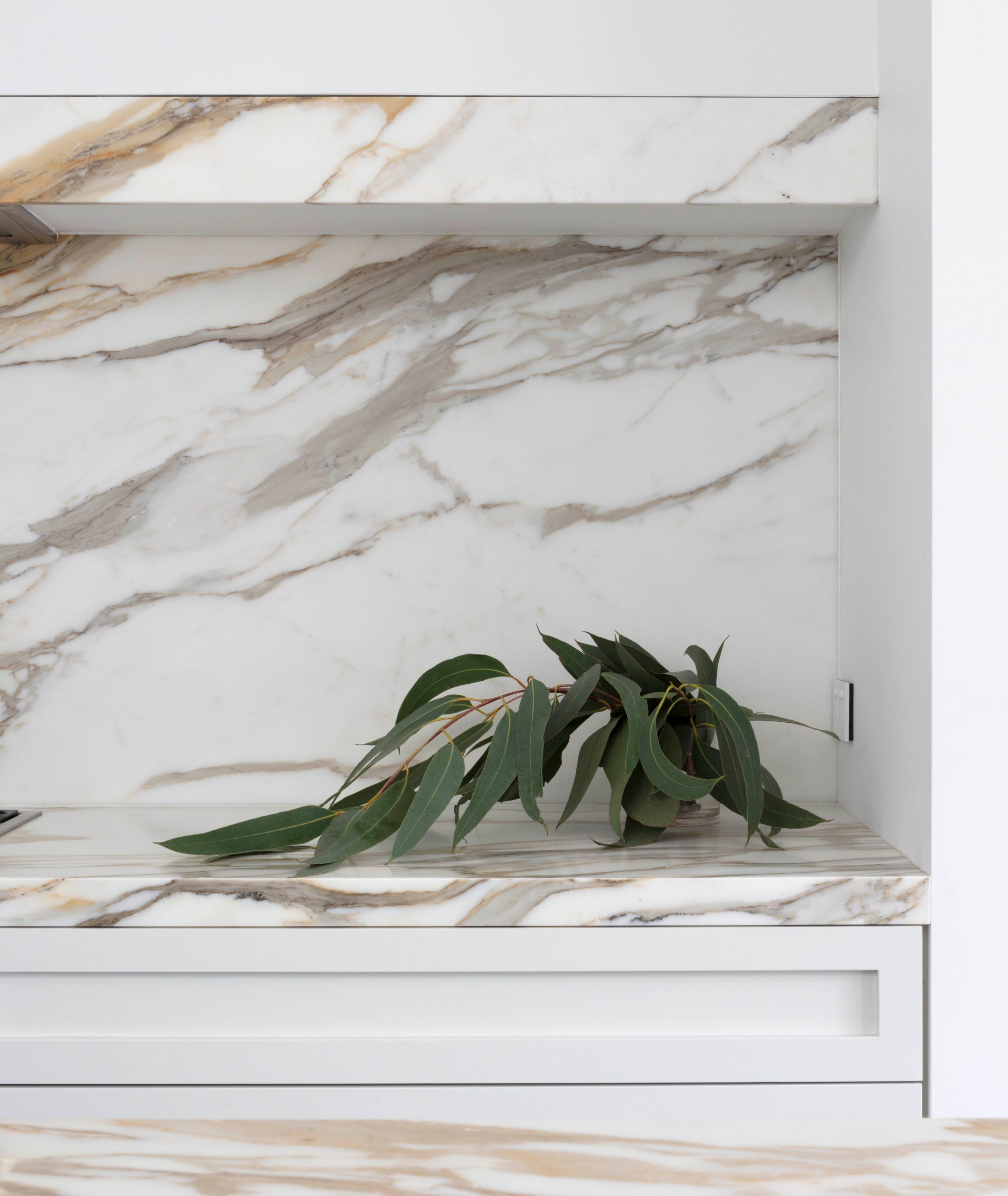 Kitchen marble counter feature